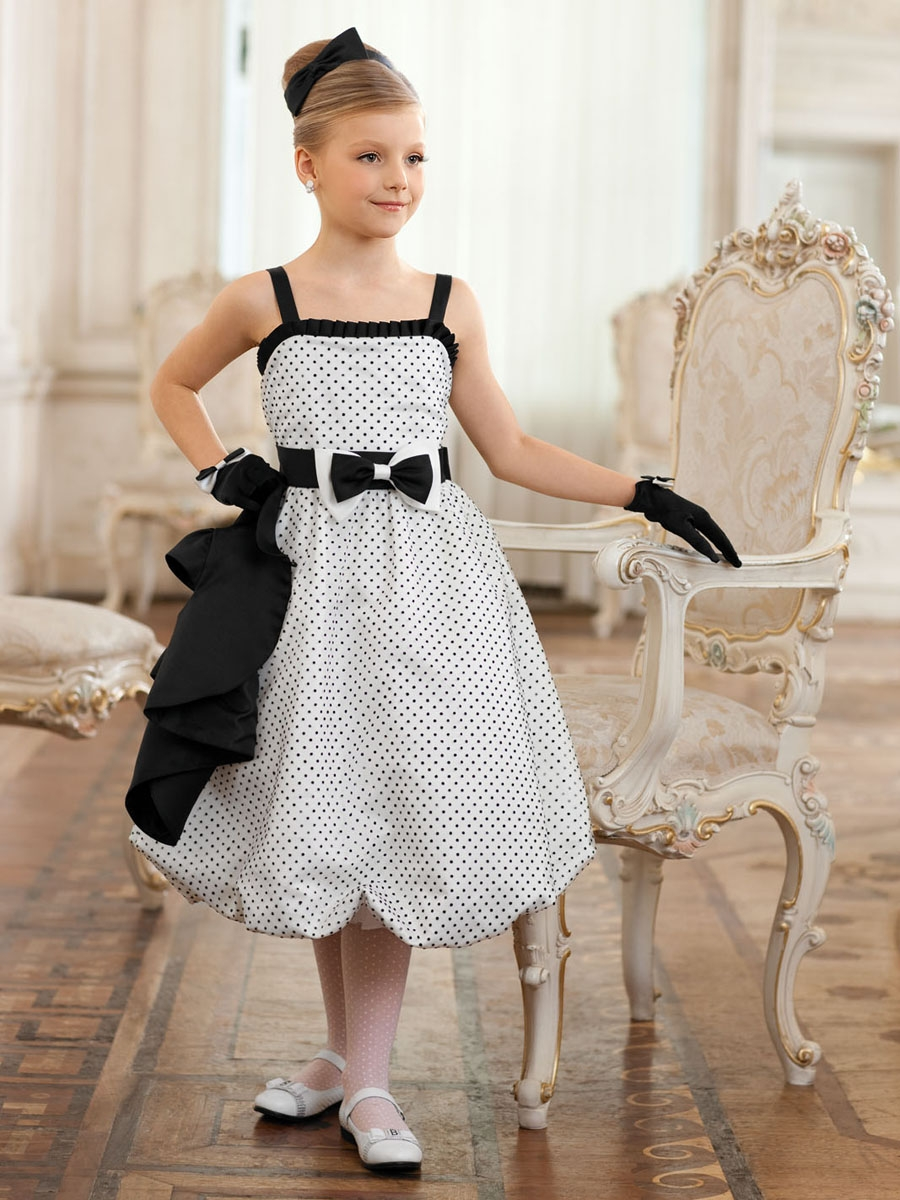 Платье в стиле 60-х для девочки